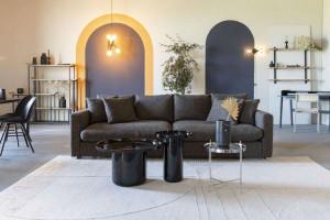 Modne stoliki do znanych holenderskich marek. Dobry design i skandynawskie wzornictwo
