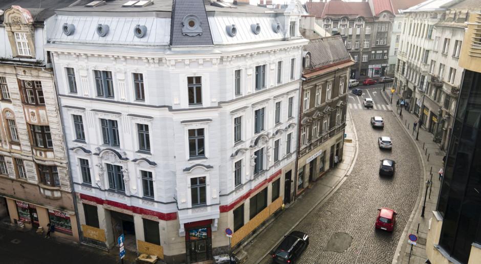 Piękna kamienica w Bielsku-Białej. Łączy historyczną zabudowę z nowoczesnymi rozwiązaniami