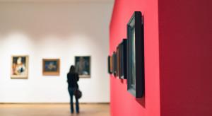 Muzeum Architektury poszukuje kobiety ze zdjęcia Chrisa Niedenthala z 1982 r.