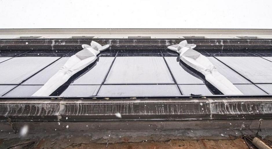 Awangardowe kariatydy ozdobiły fasadę rewitalizowanej kamienicy w Łodzi