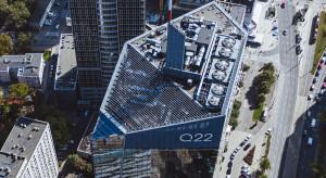 Warszawski Q22 bezpieczny i zasilany energią odnawialną