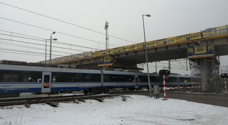 Powstają wiadukty nad torami Rail Baltica