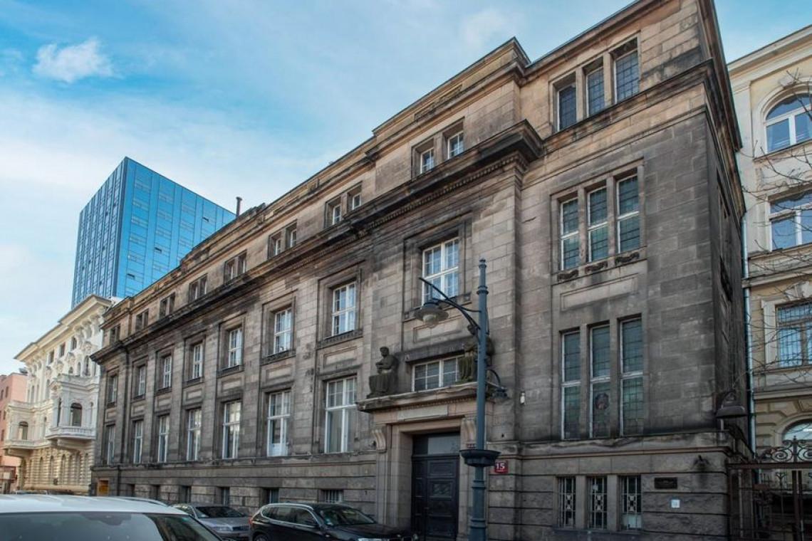 Rewitalizacja Łodzi trwa. Zabytkowy gmach w centrum miasta przejdzie remont