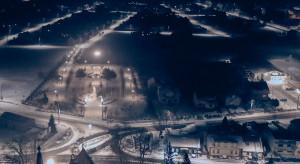 Energooszczędne i ekologiczne: zmodernizowane oświetlenie oświetla polskie ulice