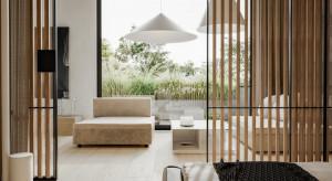 """Trend """"luxury minimalism"""" odpowiedzią na bezmyślną konsumpcję"""