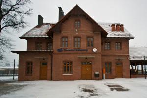 Zabytkowy dworzec w Suszu już otwarty po modernizacji