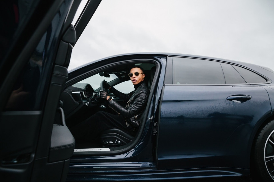 Moda wkracza do świata motoryzacji. Olivier Rousteing nawiązuje współpracę z Porsche