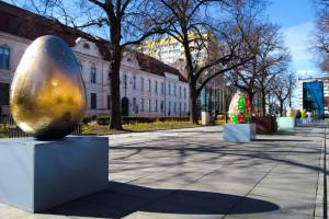 Gigantyczne pisanki w Szczecinie. Pięknie zdobią Aleję Kwiatową