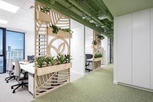 Motywująca przestrzeń w duchu eko: nowe biuro Yves Rocher w Warszawie