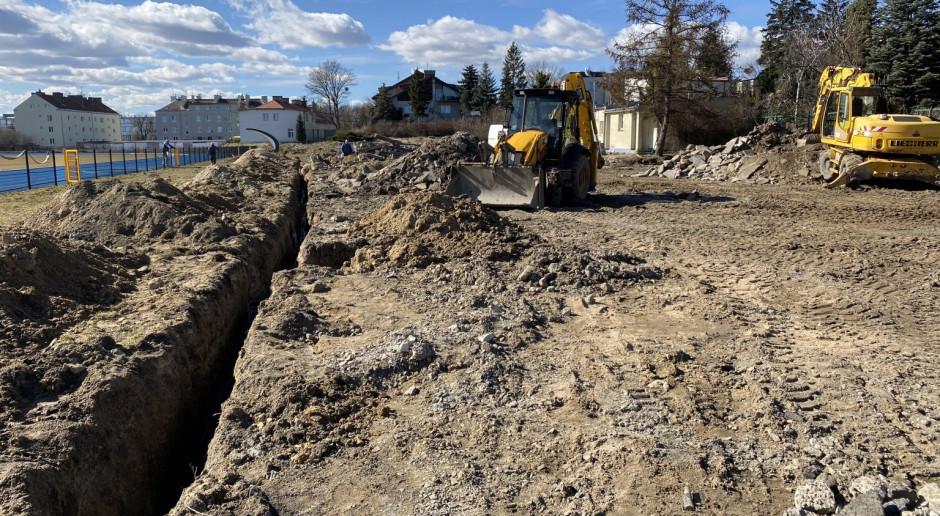 Budowa stadionu w Tczewie: ruszył drugi etap. Trwają intensywne prace