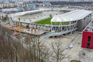 Sportowa bryła w Łodzi rośnie w siłę