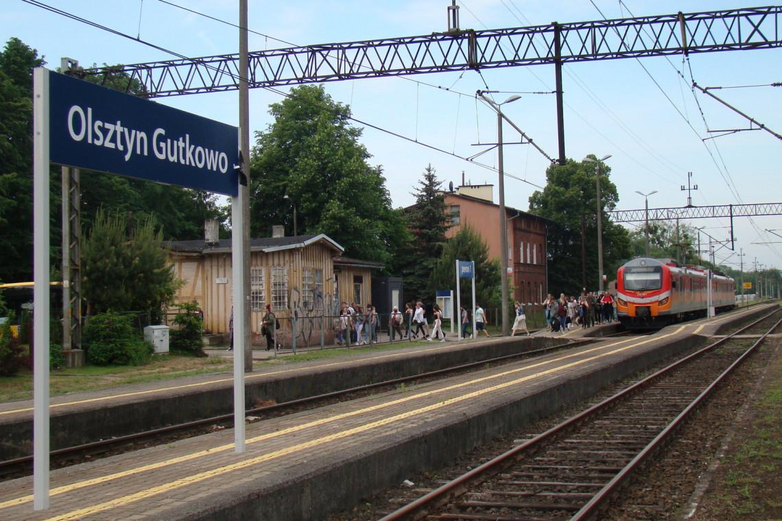 Kolejne stacje kolejowe ze zmodernizowanymi peronami