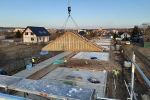 W Choroszczy powstaje drewniane osiedle. W eskpresowym tempie