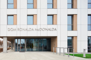 Pierwszy Dom Ronalda McDonalda w Warszawie. We wnętrzach skandynawski minimalizm