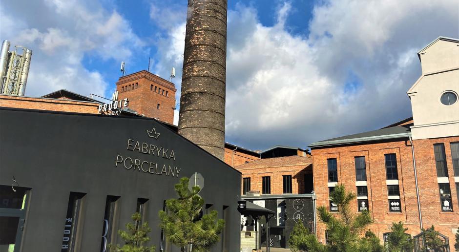 Fabryka Porcelany z własną... pasieką