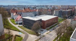 Liceum w Gliwicach ma nowy budynek. Ceglana bryła nawiązuje do śląskiej architektury