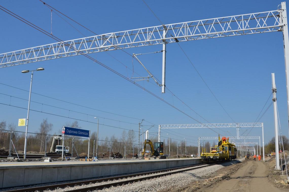 Nowe perony, przejścia i wiadukt w Dąbrowie Górniczej