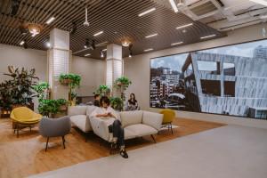 Ściana w biurze: najciekawsze realizacje z Polski
