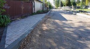 Kolejny woonerf w Łodzi. Prace na półmetku