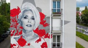 Mural z wizerunkiem Kory oficjalnie odsłonięty
