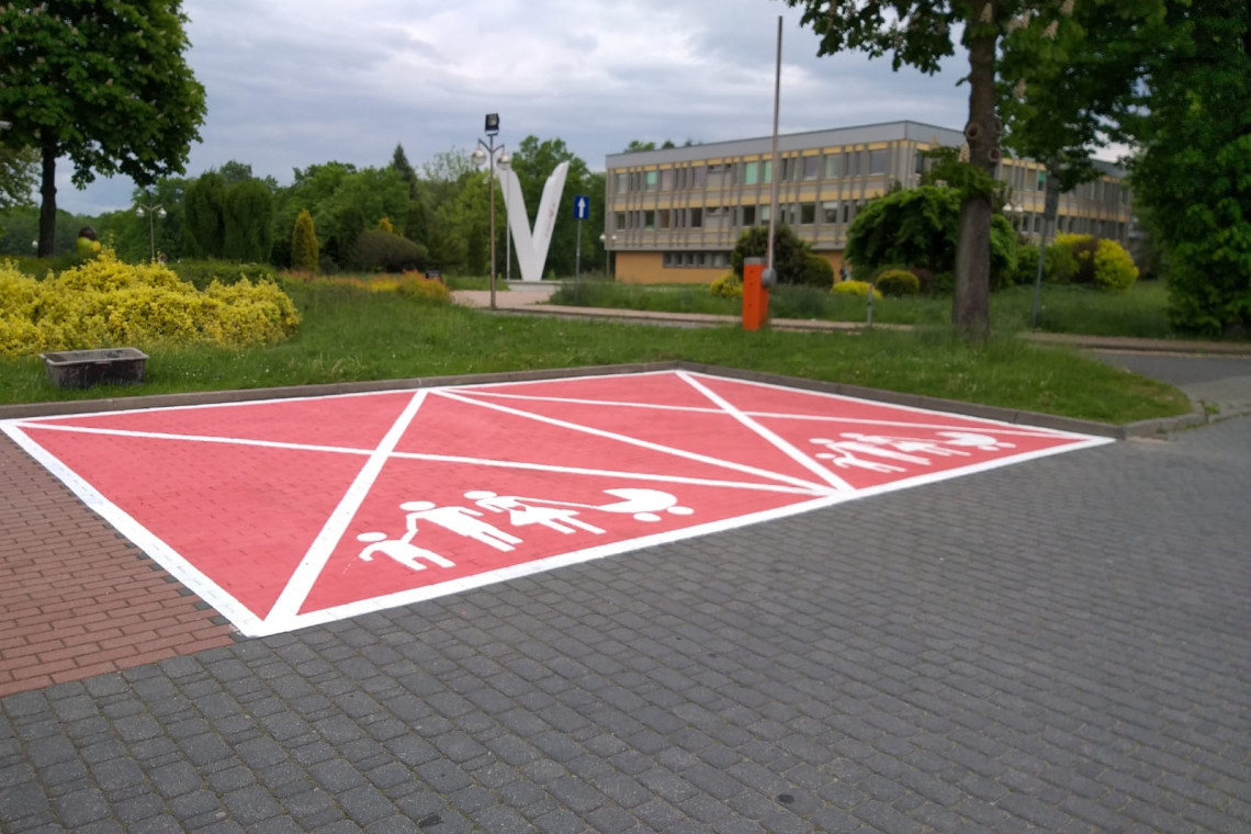 W Tychach pojawiły się różowe parkingi