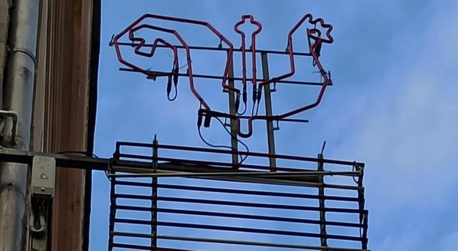 Kultowy neon Cepelii wpisany do rejestru zabytków