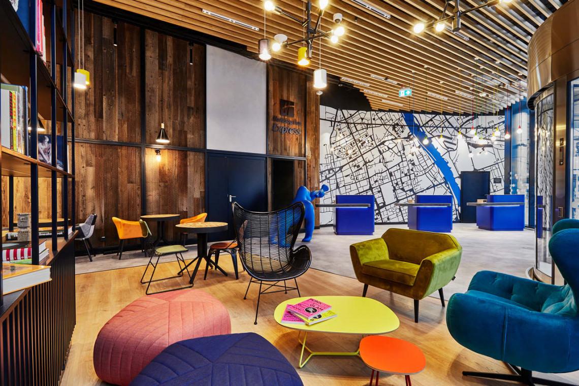 Zaglądamy do wnętrz hotelu Holiday Inn Express w kompleksie The Warsaw Hub