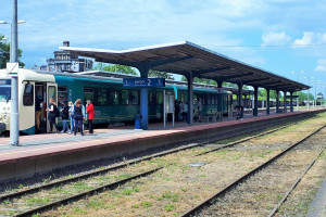 Zmiany na linii z Torunia do Chełmży. Podróżni zyskają odnowione perony