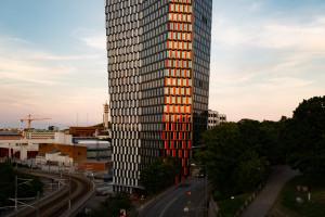 Nowy punkt orientacyjny w mieście zwraca uwagę architekturą