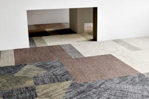Surowe wzornictwo i zrównoważy koncept produktowy w nowej kolekcji na podłogi