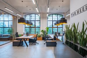 Przytulne i eleganckie biuro w Fabryce Koronek w Warszawie