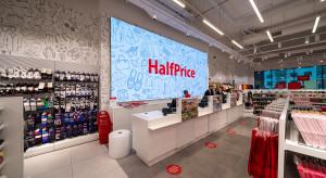 Jasne wnętrza, przestrzeń i subtelna ręka przewodnika. O designie sklepów HalfPrice