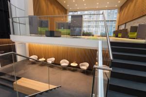 Pomysł na efektowne lobby biurowe. Oto najlepsze realizacje z Polski!