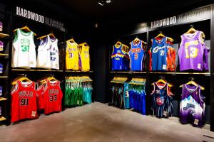 NBA otworzyło swój pierwszy sklep w Wielkiej Brytanii. Zaglądamy do środka!