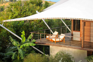 Nagradzany architekt z Los Angeles zaprojektował budynek z dachem jak żagiel