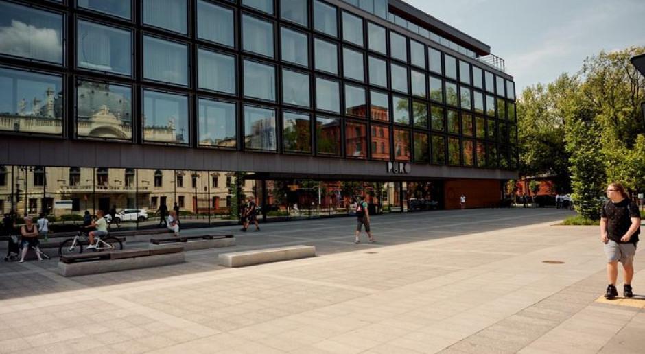 Plac przed Pałacem Poznańskich i hotelem PURO zazieleni się