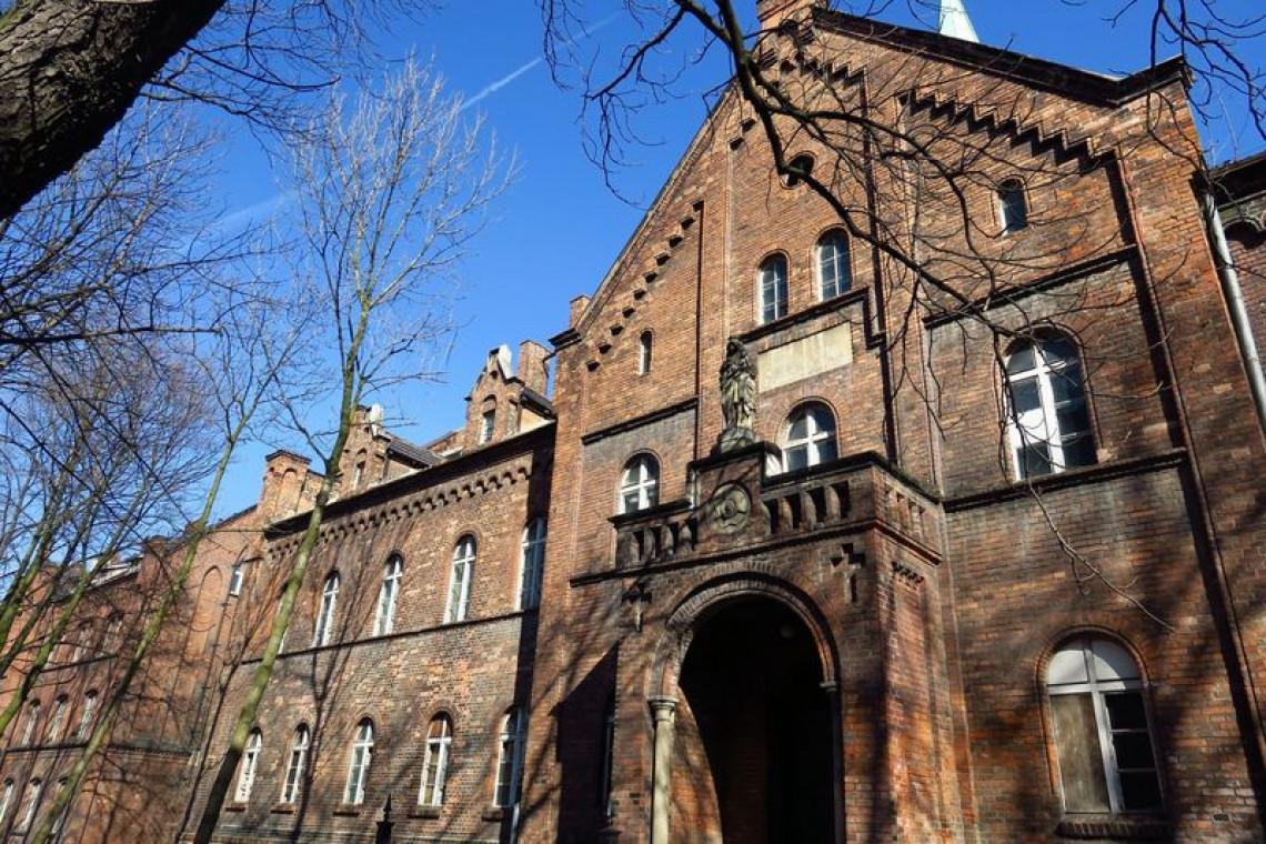 Kolejny budynek zabytkowego szpitala w Rybniku wypięknieje
