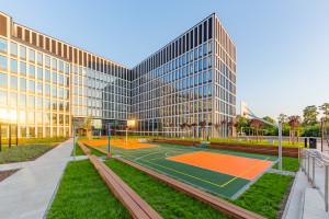 Zielony dziedziniec katowickiej inwestycji Face2Face. Robi wrażenie!