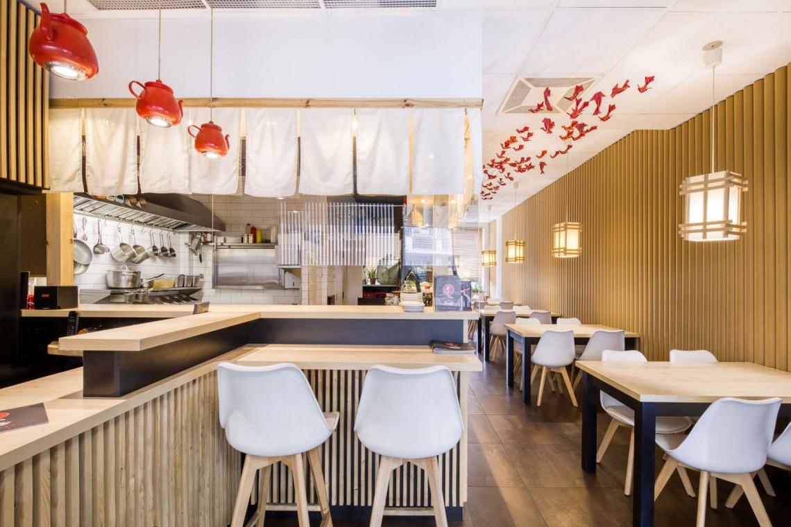 Niezwykła realizacja pracowni W+M Architektura. Zaglądamy do Hikari KOI Sushi