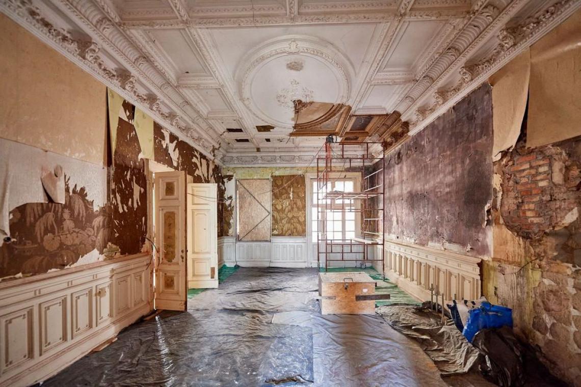 Łódź: cenne polichromie we wnętrzu rewitalizowanej willi słynnego architekta