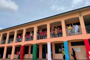 Szkoła dla dzieci ulicy w Ghanie już działa. To projekt Omeny Mensah