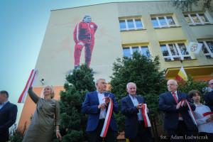Patron szkoły na muralu w Białymstoku