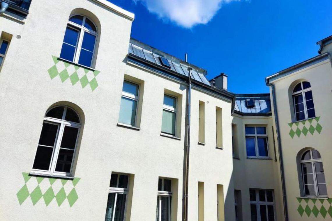 Oryginalna elewacja w Szczecinie. Ściany zdobią zielone romby