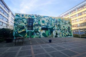 Niezwykły mural, który jest także... hotelem dla pszczół