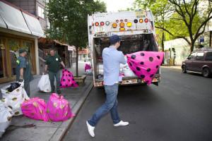 Społeczno-artystyczna akcja sprzątania zawita do Warszawy